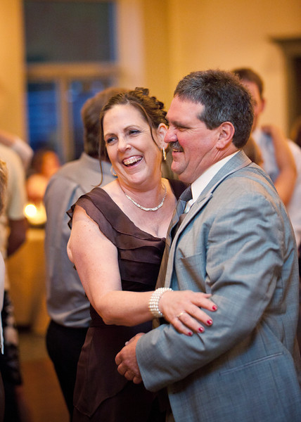 Groom Parents Dancing.jpg