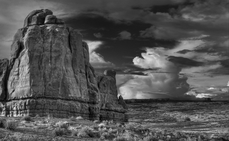 Rock&Cloud_hdr_bw_working.jpg