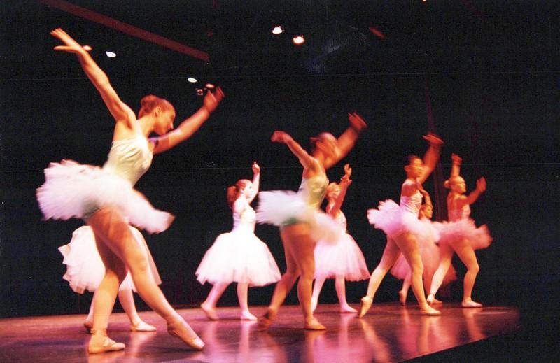 Dance_1335_a.jpg