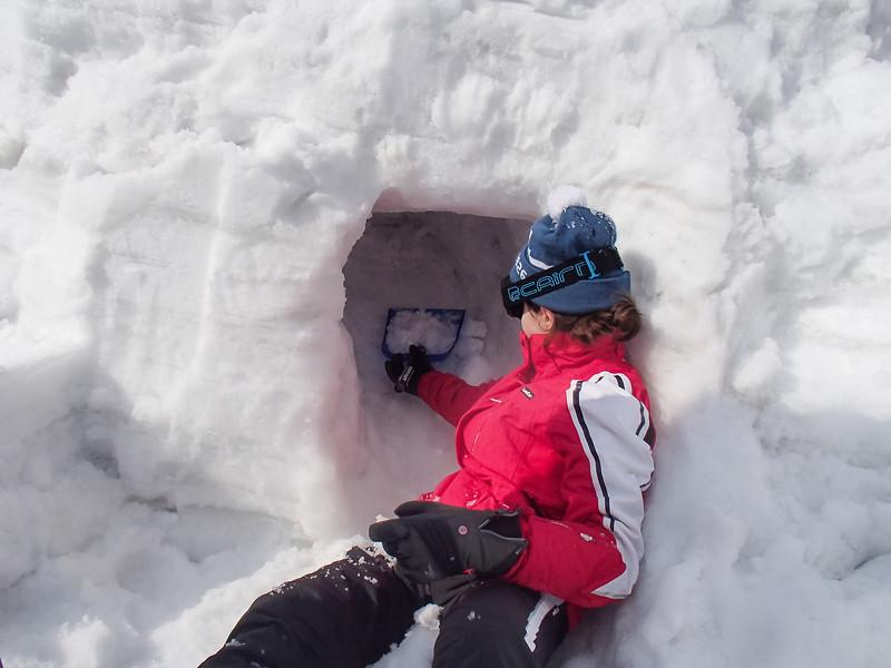 Grade 10 Expedition-Niigata Snow-P1010090-2018-19.jpg