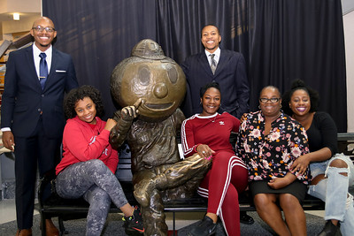 2017 PFW Family Photos with Brutus Statue
