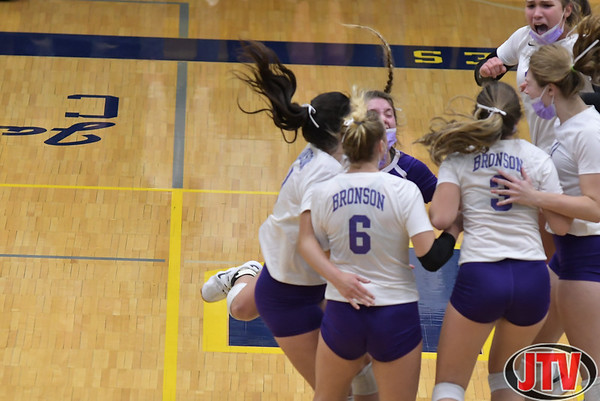 Columbia Central vs Bronson Regional Volleyball 11-12-20