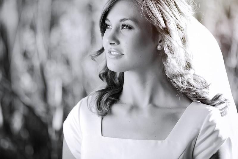 Amy Bridals 047bw.jpg