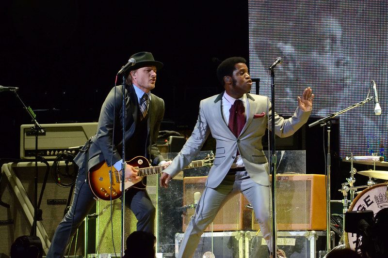 the who and vintage trouble 013.JPG