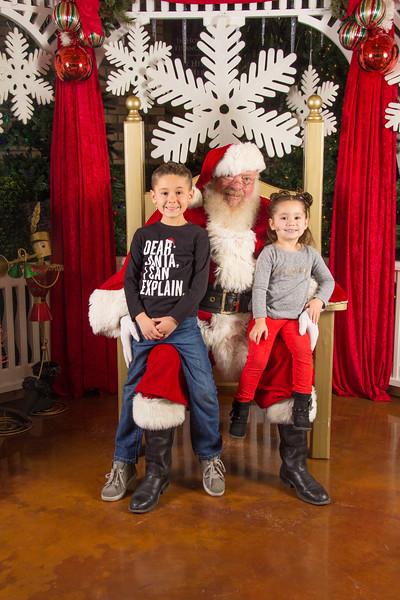 Santa 12-16-17-139.jpg
