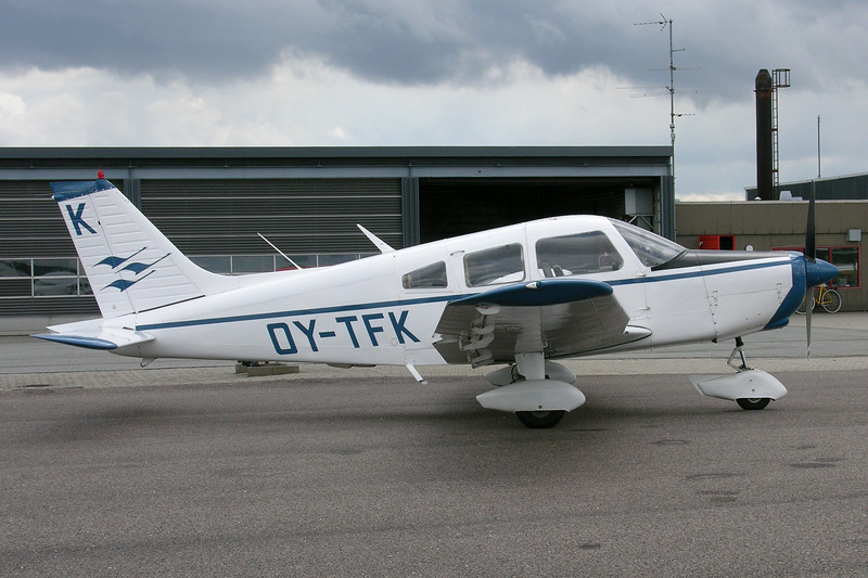 OY-TFK-PiperPA-28-151Warrior-Private-EKOD-2006-08-03-DSCN1400-KBVPCollection.JPG