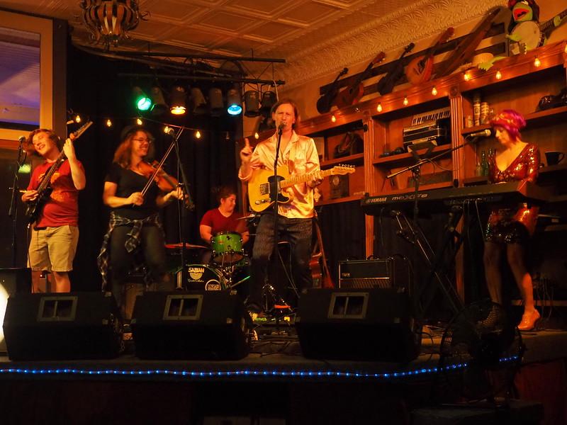 Purple Fiddle Emmas Lounge 7.JPG