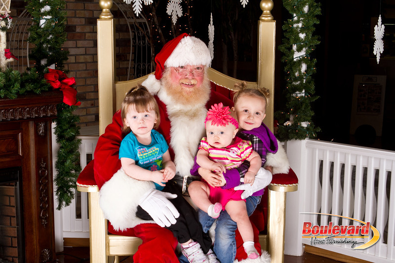 Santa Dec 8-343.jpg