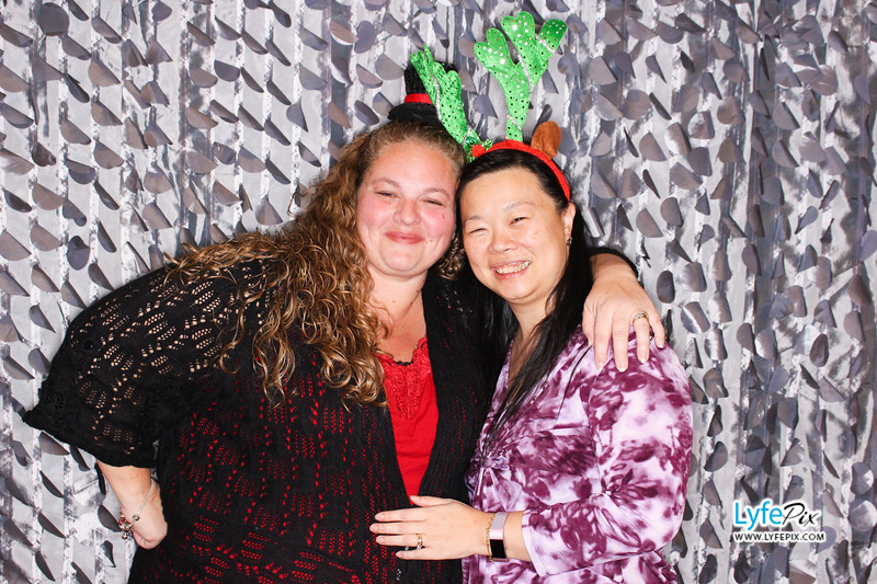 red-hawk-2017-holiday-party-beltsville-maryland-sheraton-photo-booth-0280.jpg