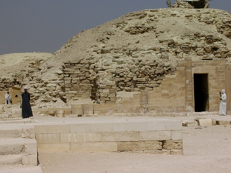 Guider ved Djosers gravkompleks (Foto: Ståle)
