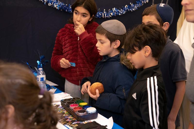 Brentwood Chabad -Chanukah1032.jpg