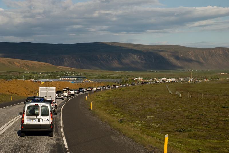 Við lentum í umferðarteppu rétt áður en við komum að Hveragerði. Kl. 18.53