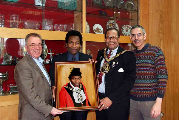 Portrait presentation to former Mayor of Haringey