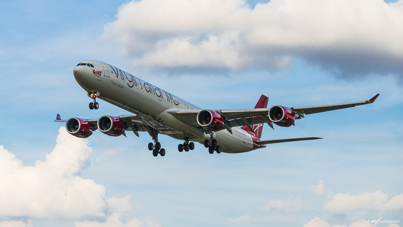 Plane spotting by Heathrow Airport