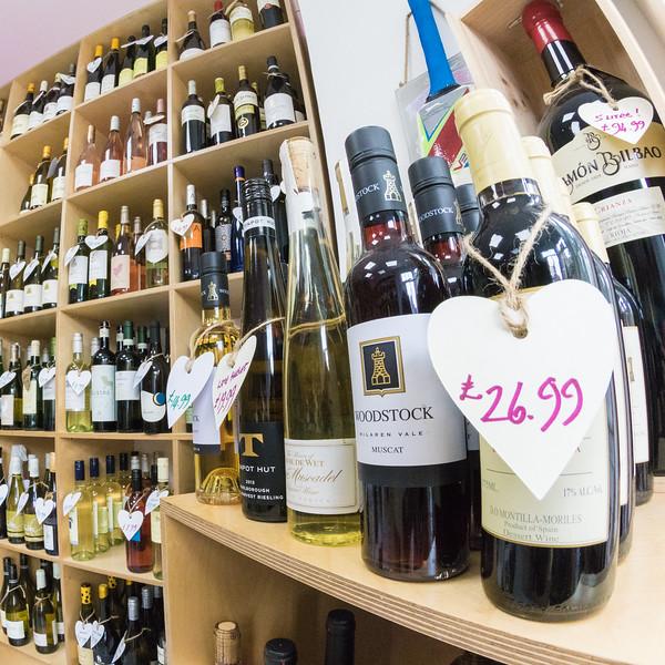 love-wine-shop-8586_26679382793_o.jpg