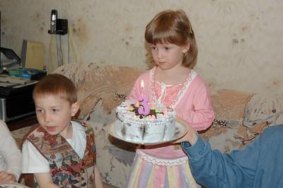 2009-05-14, Olya's 3rd Birthday