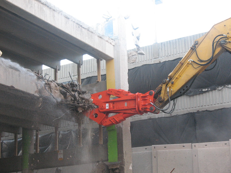 NPK M38G concrete pulverizer on Deere excavator-commercial demolition (10).JPG