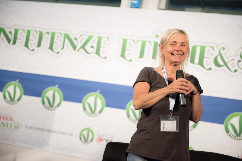 lucca-veganfest-conferenze-e-piazzetta-027.jpg