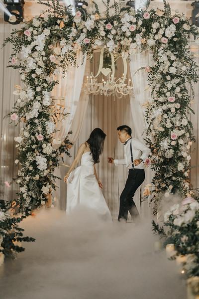 T and C   Bokeh city wedding vibes