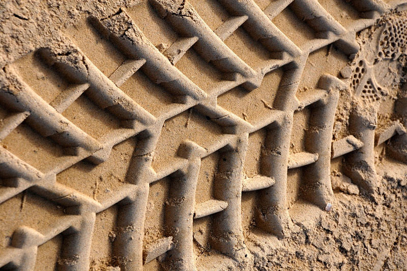 Beautifully defined tyre tracks on Clontarf Beach