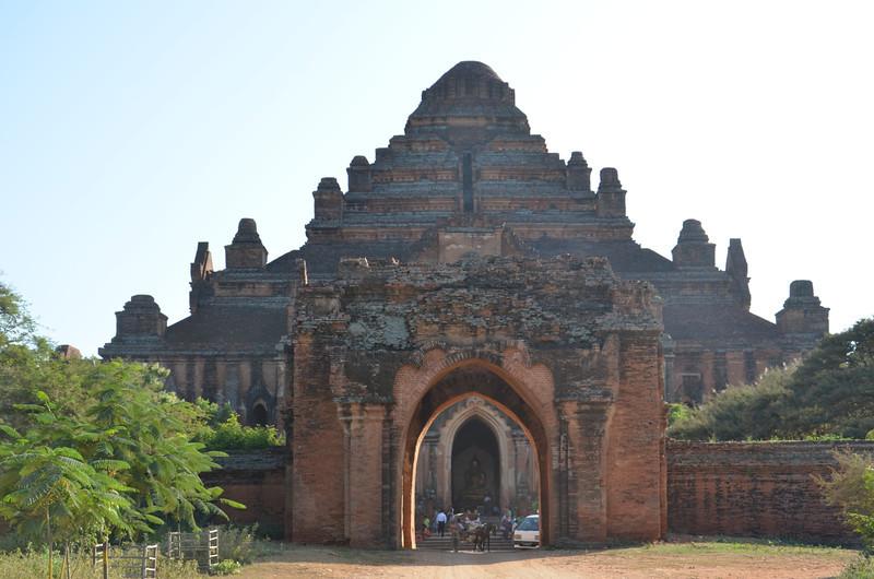 DSC_4014-dhammayan-gyi-temple.JPG