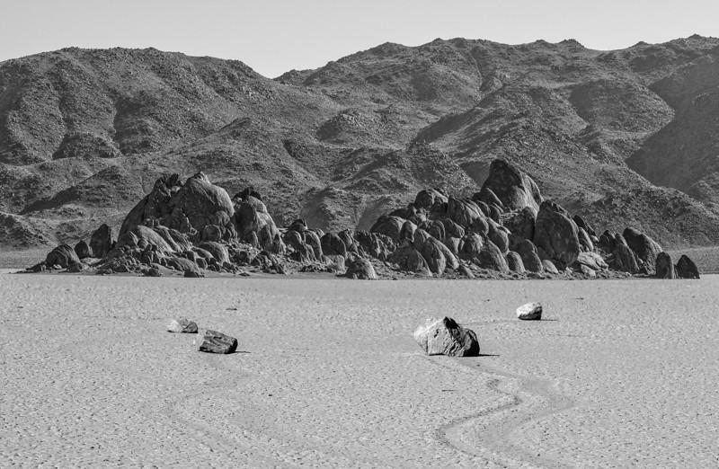 Racetrack Playa: moving rocks