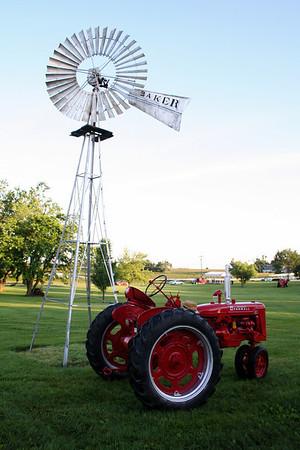 Farmall Tractors 08