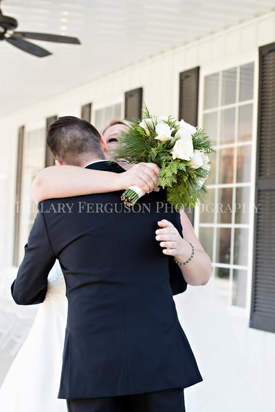Hillary_Ferguson_Photography_Melinda+Derek_Getting_Ready376.jpg