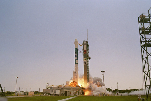 Boeing Delta II with Genesis launches from SLC-17A Cape Canaveral, FL. 08-08-2001
