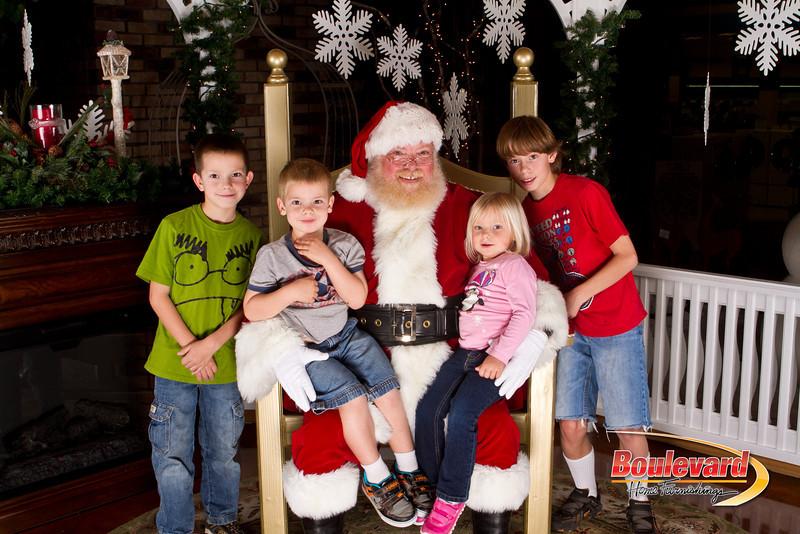 Santa Dec 15-200.jpg