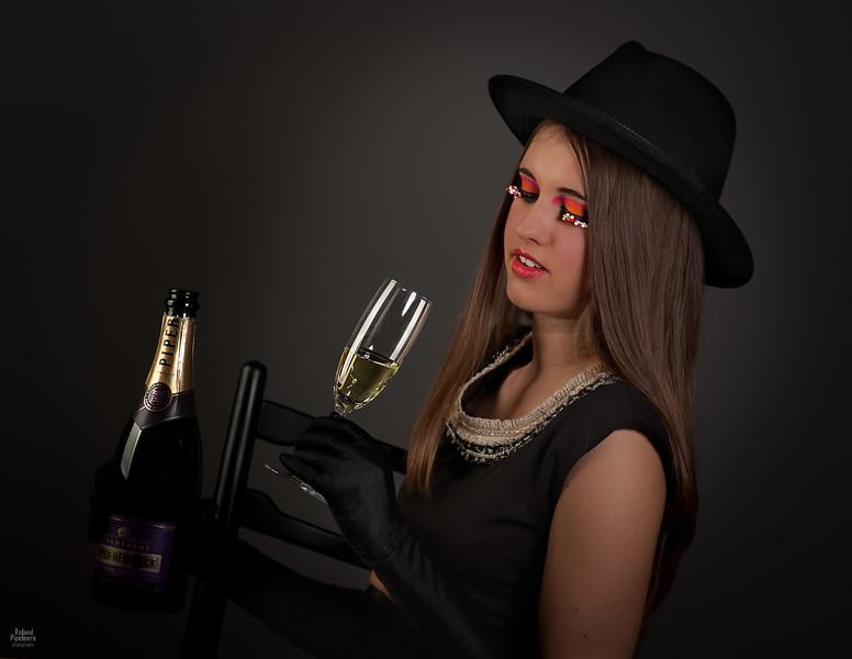 Model: Sara Frederix  MUA: Nina Almo