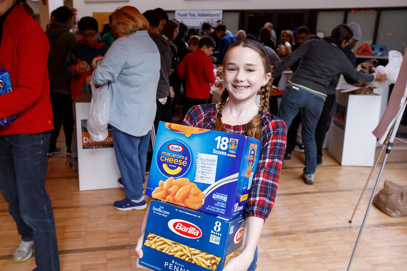 20181122 001 Thanksgiving food drive.JPG