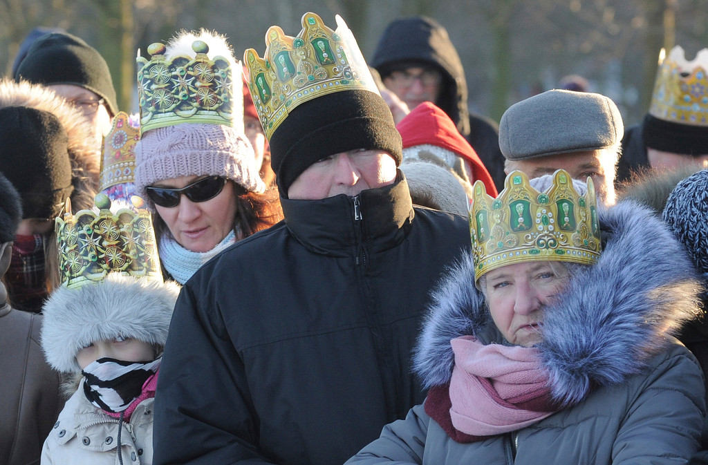 . Faithfull attend a Three Wise Men procession during Epiphany celebrations on a cold sunny day with the temperature reaching minus 12 degree Celsius (10.4 degree Fahrenheit), in Warsaw, Poland, Friday, Jan. 6, 2017. (AP Photo/Alik Keplicz)