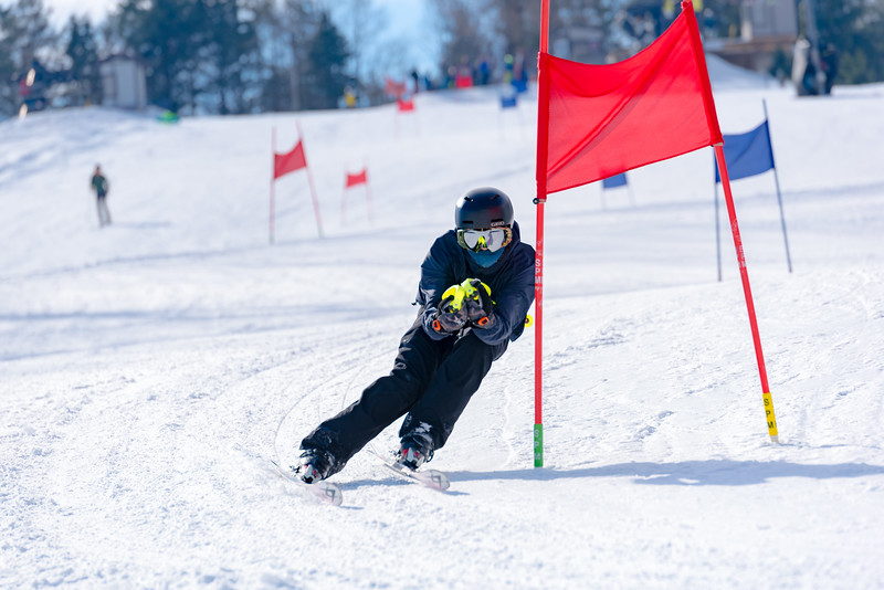 Standard-Race_2-3-18_Snow-Trails-73014.jpg