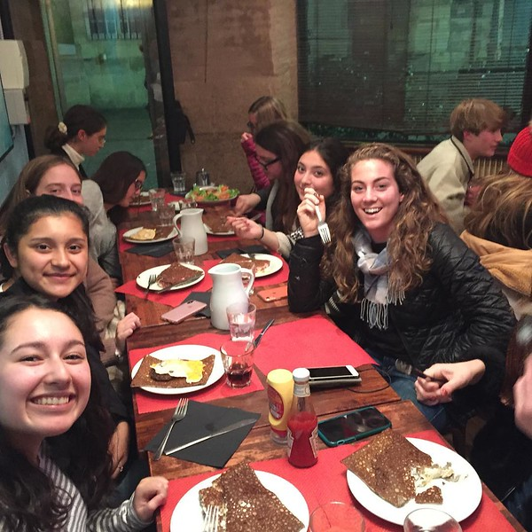 Crepes for dinner!! #fuel #crepesbeaubourg #stravinskyfountain