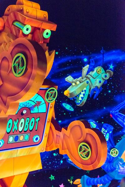 Buzz Lightyear Robot Arms - Magic Kingdom Walt Disney World