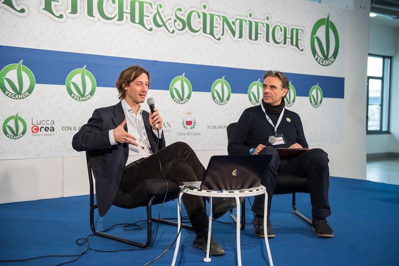 lucca-veganfest-conferenze-e-piazzetta_019.jpg