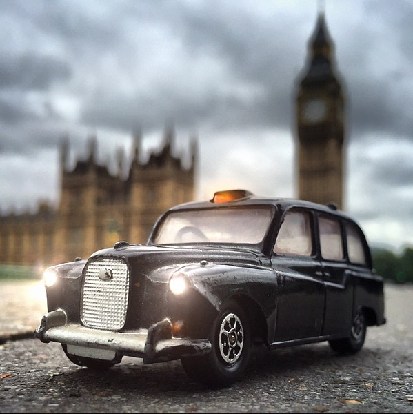 London_Taxi_jerrybusiness.jpg
