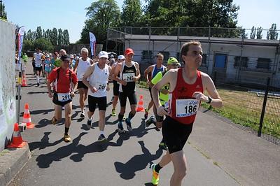 Auf der Strecke / Start 6 Stunden-Lauf