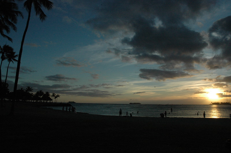 Hawaii - Ala Moana Beach Sunset-15.JPG