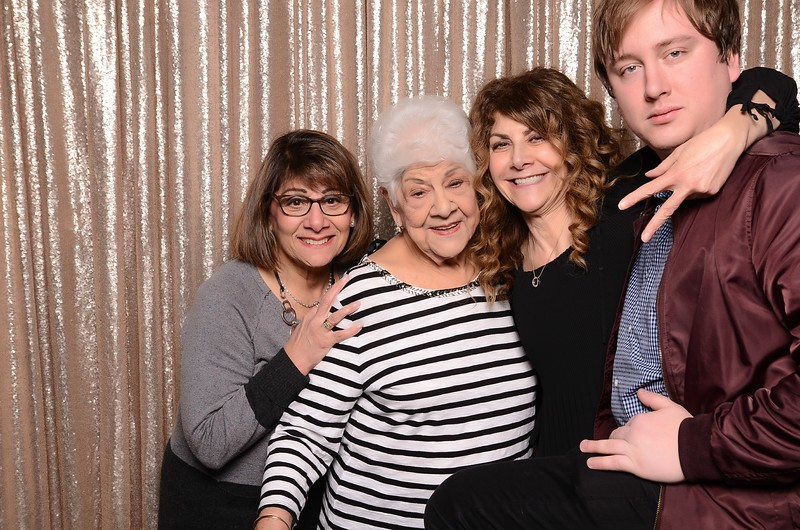 20180324_MoPoSo_Seattle_Photobooth_Number6Cider_Thoms50th-13.jpg