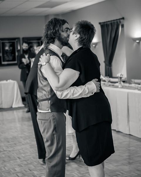 EDITS - Ryan and Lindsey Wedding 2014-351.jpg
