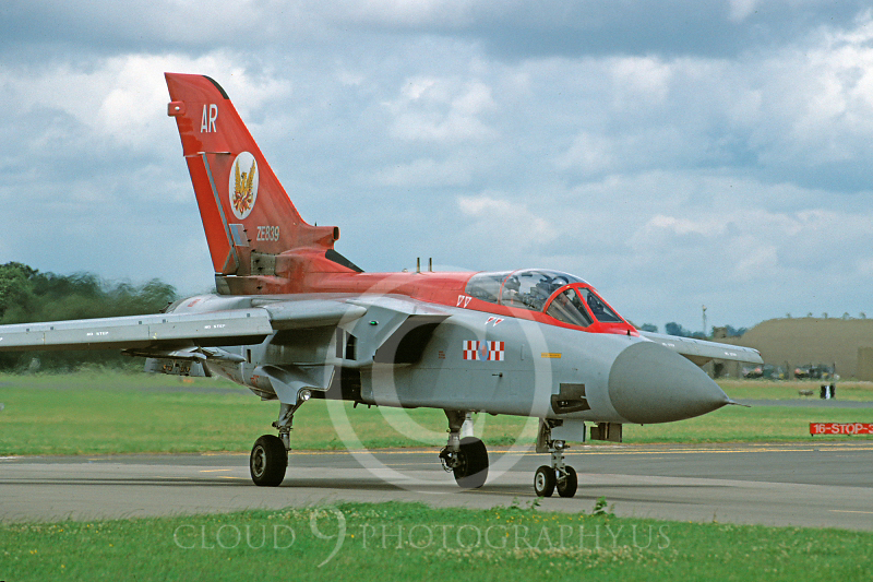 Panavia Tornado 00081 Panavia Tornado British RAF ZE839 July 1993 via African Aviation Slide Service.JPG