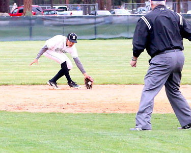 Outlaw Baseball vs Junction City 5-05-2016