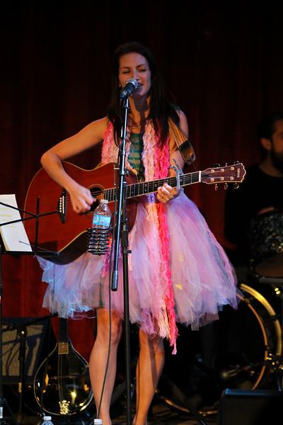 2011.12.12 Suzi Shelton Concertf-83.jpg