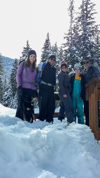 2019-02-17 Snowshoeing on Chinook Pass: Hell's Crossing