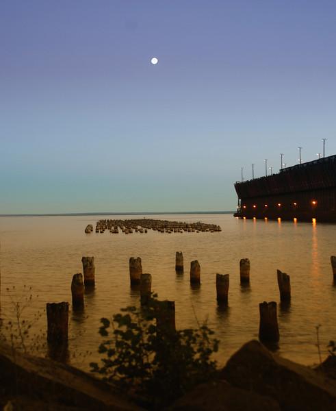 Moon peer  Lake superior .jpg