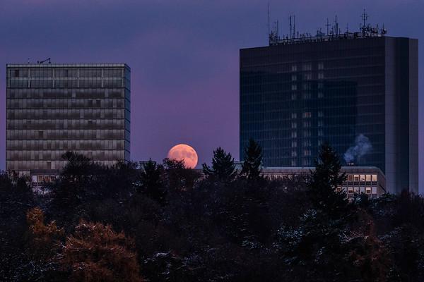 Moonrise over Luxembourg Kirchberg