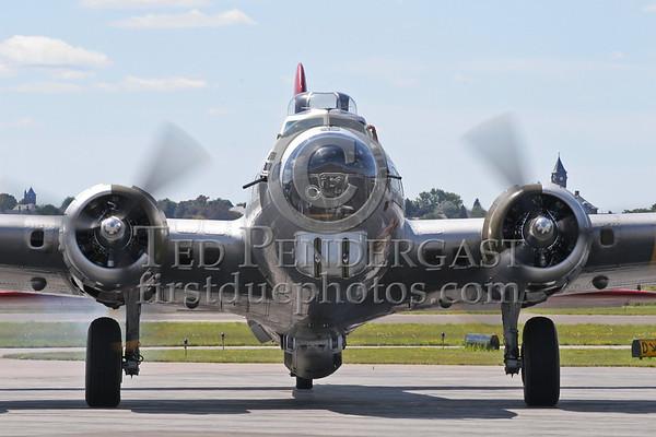 """B-17G Flying Fortress """"Aluminum Overcast"""""""