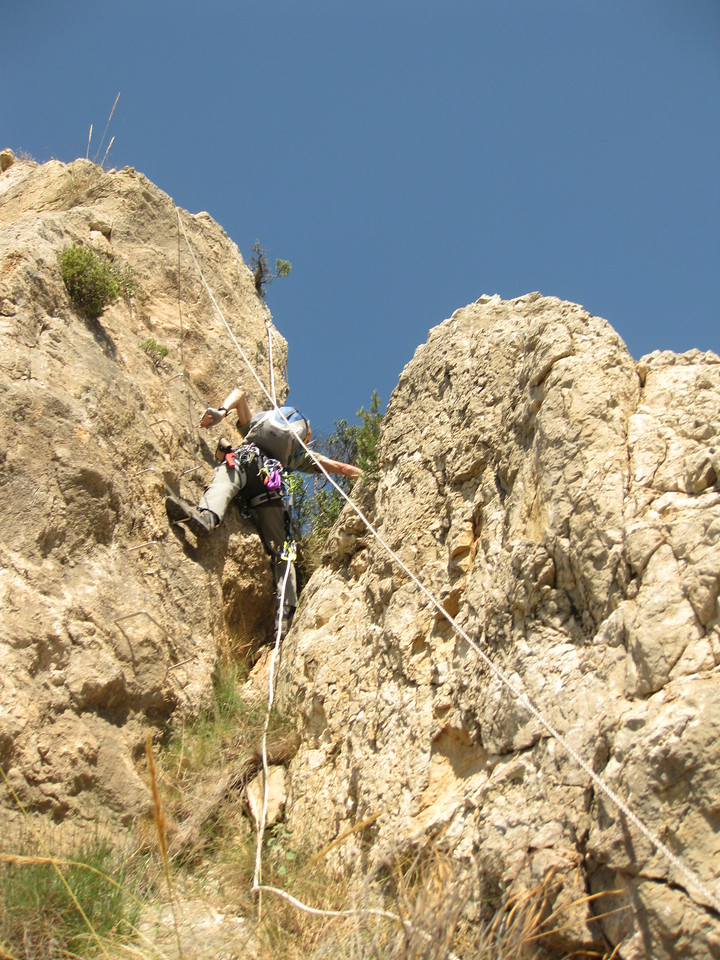 Vic negotiating the unprotected crack at Via Ferrata Figueret